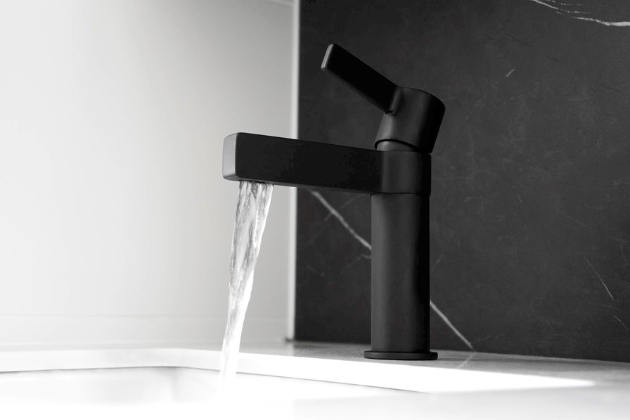 martini basin mixer matte black